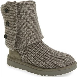Women's Gray Classic Knit Ugg Boots